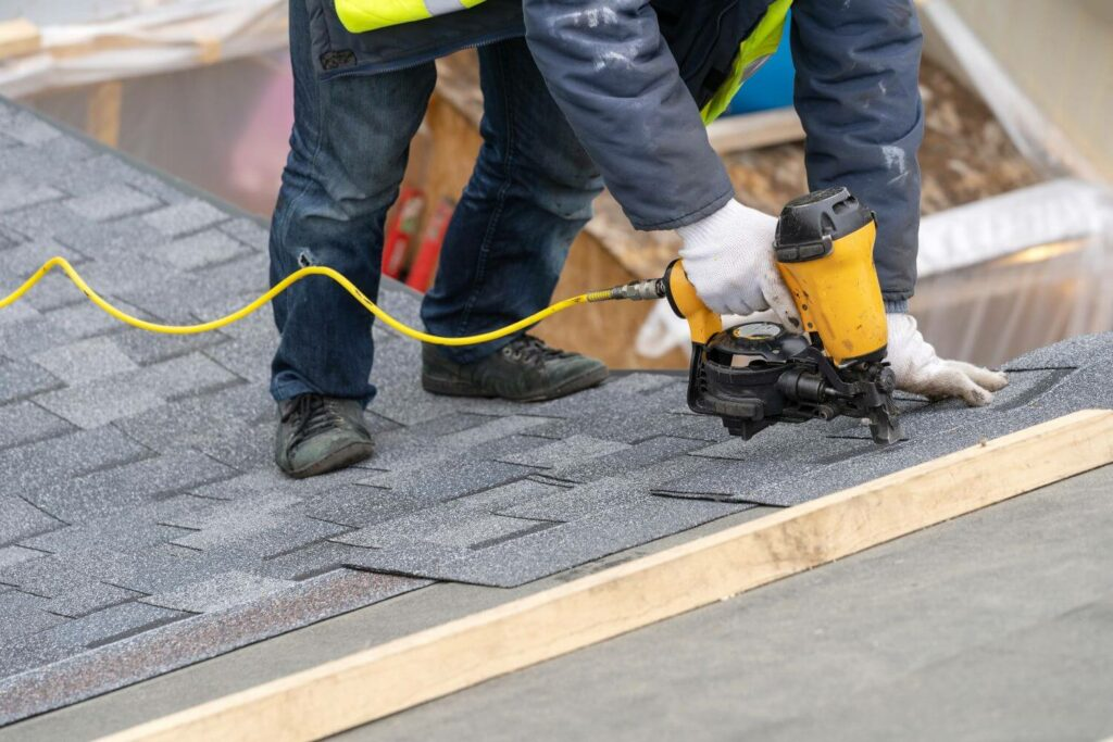hiring roofer services local contractor reasons why